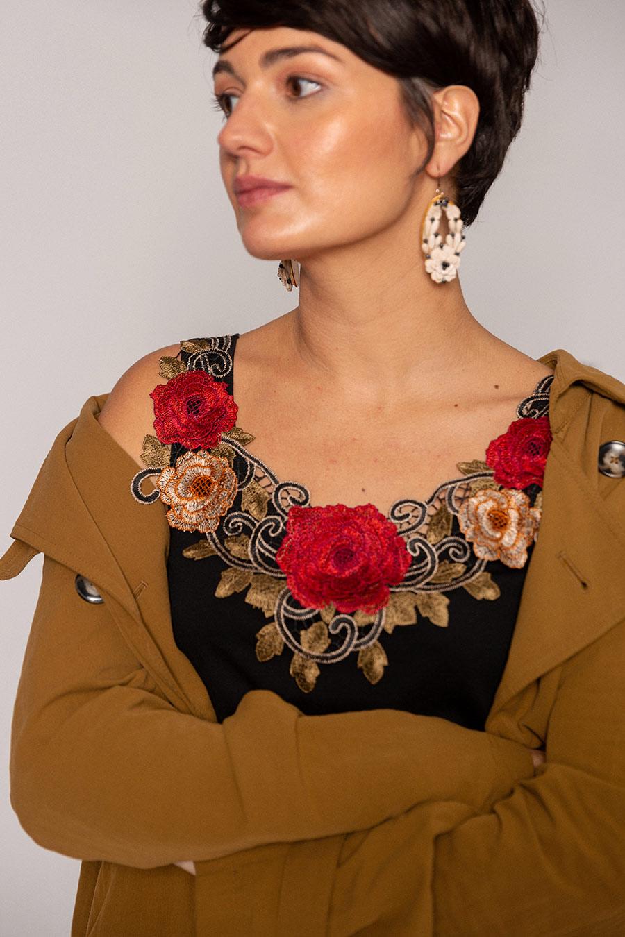 OTRORA_Camiseta de tirantes en punto algodón/Tencel con aplique de flores bordadas multicolor