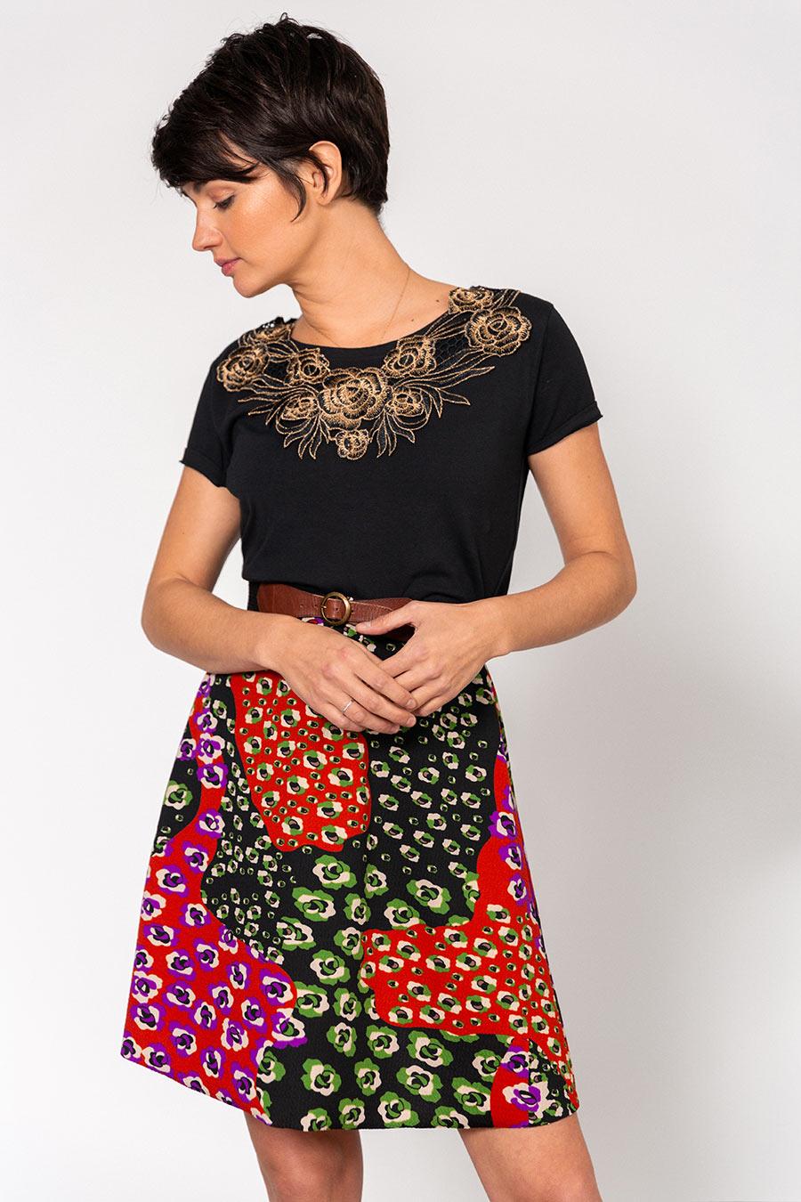 OTRORA_Camiseta manga corta en punto elástico de algodón con falda vuelo de punto crepé estampado leopardo