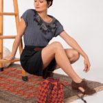 OTRORA_Bolso saco artesanal de crochet y cuero en pata de gallo granate y caldera
