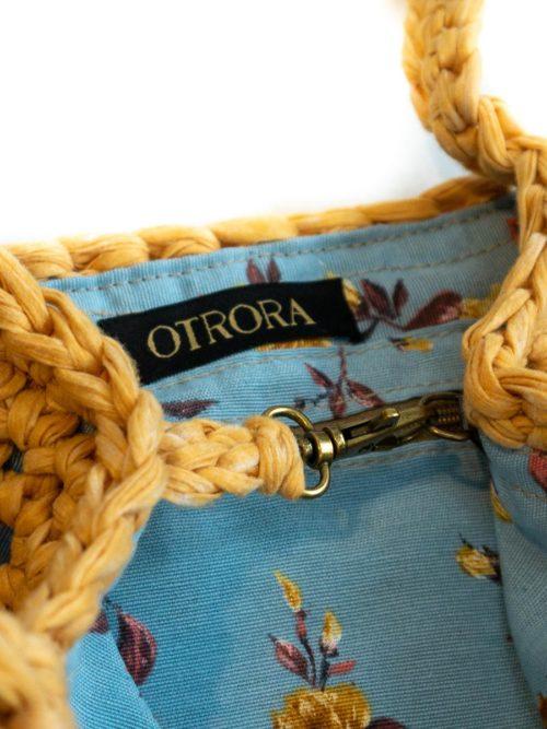 OTRORA_Bolso red tejido a mano a ganchillo en color mostaza_Interior