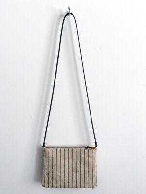 Bolso pequeño artesanal elaborado con tejido vintage a rayas y piel de serraje
